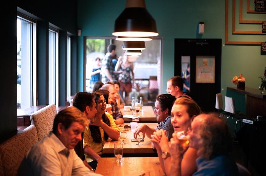 restaurant-690975_960_720.jpg