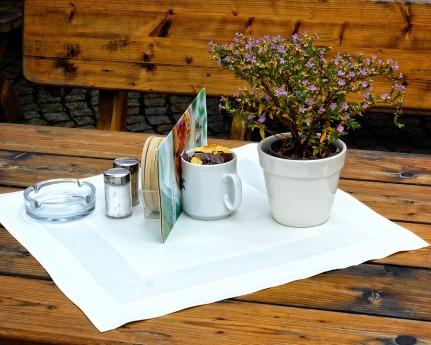 table-949780_960_720.jpg